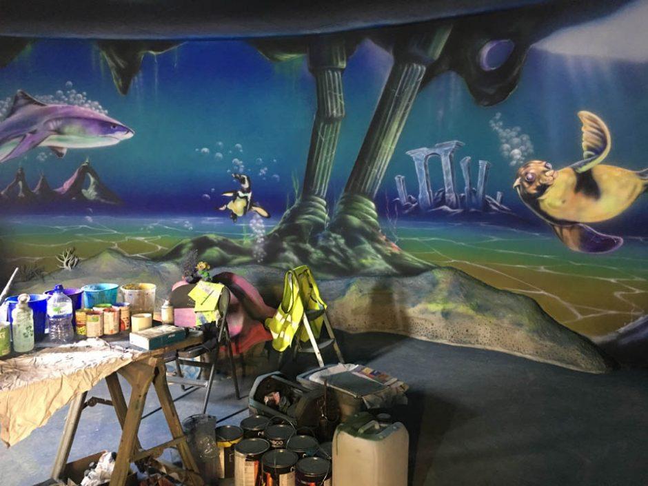 Painting the deep ocean